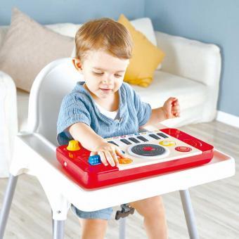 DJ console e set musicale